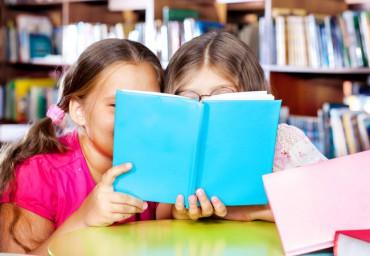 kidsgirlreadinglibrarybookclub